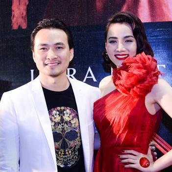 Trang Nhung sánh bước cùng Chi Bảo trên thảm đỏ Scandal 2