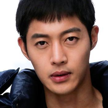 Kim Hyun Joong chính thức bị cảnh sát triệu tập