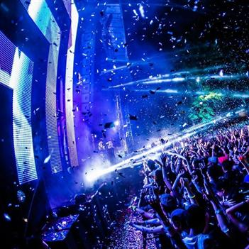 """Cơ hội """"102"""" chạm tay đến DJ số 1 thế giới"""