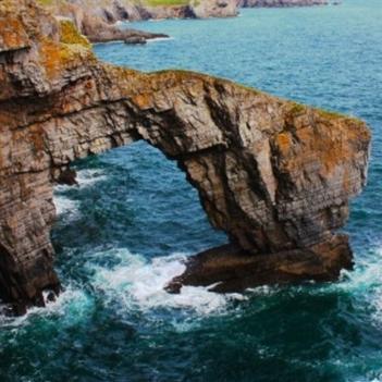 Ngắm những cây cầu đá tự nhiên cực kì hùng vĩ