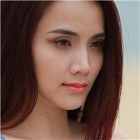 Trang Nhung khoe dáng đẹp trên bãi biển Đà Nẵng