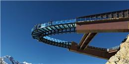 'Xanh mặt' với những công trình cao tận mây xanh