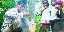 Cận cảnh cuộc sống của ba bố con mưu sinh lề đường ở Sài Gòn