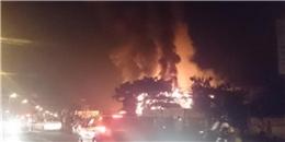 Hà Nội: Cháy kinh hoàng trong đêm, quán bar bị thiêu rụi