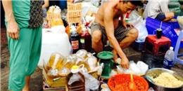 Dầu ăn không rõ nguồn gốc bán từ hẻm ra chợ