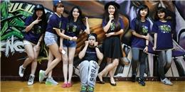 Lâm Vinh Hải hết mình cùng thí sinh Miss Touch