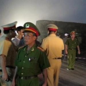 Tàu chở 315 hành khách gặp tai nạn nghiêm trọng ở Nam Định