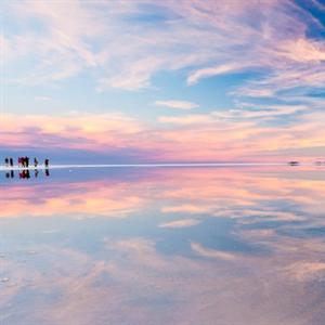 """Chiêm ngưỡng Salar de Uyuni - """"tấm gương phản chiếu"""" đỉnh nhất thế giới"""