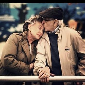 Lặng người trước 18 khoảnh khắc minh chứng cho tình yêu mãi mãi