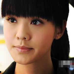 Choáng váng vì mỹ nhân Hong Kong lộ diện với khuôn mặt méo xệch