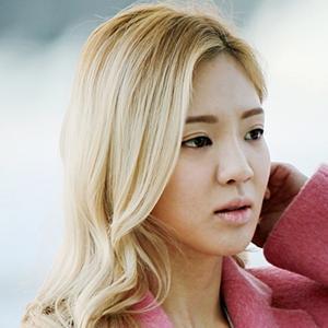 Bạn trai cũ của Hyoyeon bị bắt vì tội ẩu đả