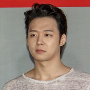Yoochun bật khóc khi biết JYJ được diễn trực tiếp trên truyền hình