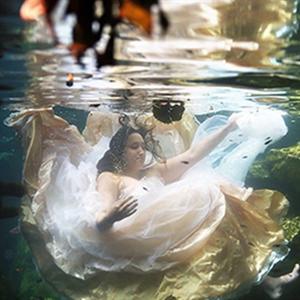 Cảm động với bộ ảnh cưới người vợ thực hiện để vĩnh biệt chồng
