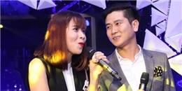 Hồ Hoài Anh cầm mic hỗ trợ Lưu Hương Giang trên sân khấu