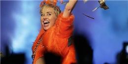 Bị xem là  gái hư , Miley Cyrus vẫn được  thỉnh giáo