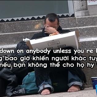 Cư dân mạng lặng người với clip xin ăn người vô gia cư