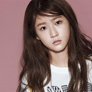 Kim Sae Ron muốn leo lên đỉnh cao sự nghiệp ở tuổi 25