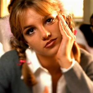 Britney Spears và những lần tỏa sáng cùng Baby One More Time