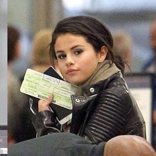 Selena Gomez và Orlando Bloom xuất hiện cùng nhau tại sân bay