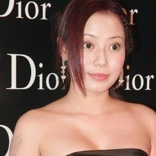 Nữ diễn viên Hong Kong gây sốc vì nhảy lầu tự tử