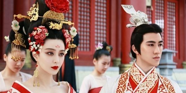 Ngắm Phạm Băng Băng lộng lẫy trong lễ lên ngôi Hoàng hậu
