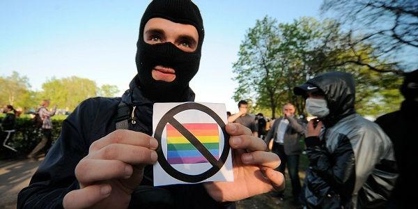Những người vận động chống đồng tính nhưng bị phát hiện là… đồng tính