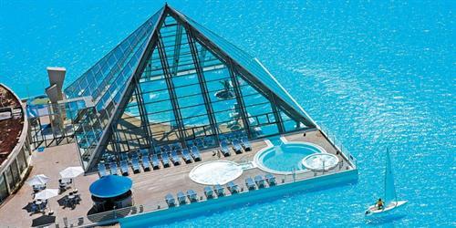 Hút mắt với hồ bơi dài hơn 1000 mét