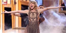 Taylor Swift lần đầu hát live Blank Space  bùng cháy  sân khấu