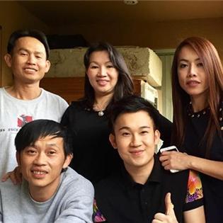 Anh em Hoài Linh - Dương Triệu Vũ mừng  đám cưới vàng  của bố mẹ