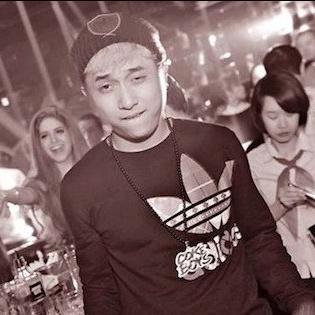 Đánh bạn gái, mắng công an, Yanbi gây lo ngại về văn hóa sống của nghệ sĩ trẻ