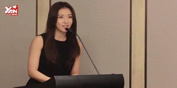 Ha Ji Won rạng rỡ trước báo giới Việt Nam