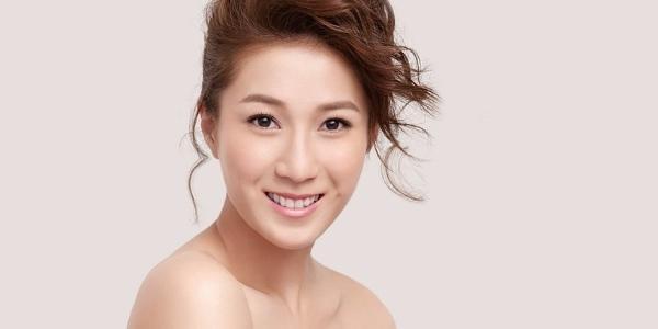 Chung Gia Hân nhận giải vì làm việc cho TVB hơn 10 năm