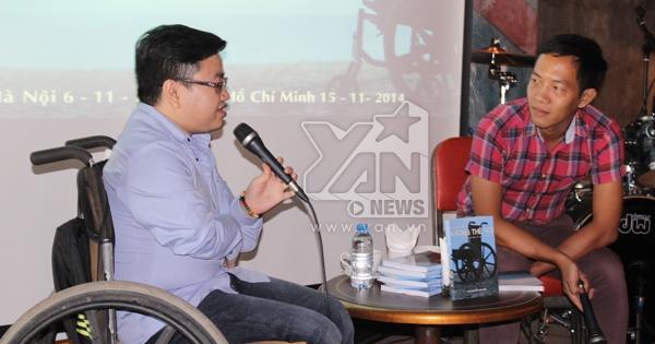 Chàng trai 'xương thủy tinh' Vũ Ngọc Anh ra mắt cuốn sách mới đầy xúc động