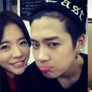 Sunny khoe hình đáng yêu bên Jackson, Yuri  kiêu sa  trong sự kiện