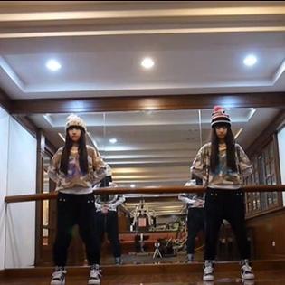 Đôi song sinh hot girl cover hit của GD x Taeyang cực chất