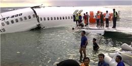 QZ8501 hạ cánh an toàn xuống biển trước khi sóng đánh chìm