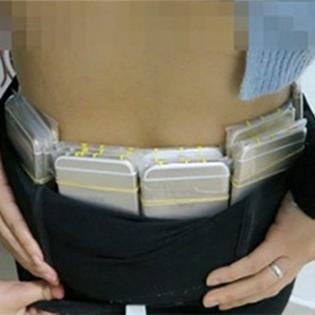 Người phụ nữ giấu 20 chiếc iPhone 6... quanh mông để trốn thuế