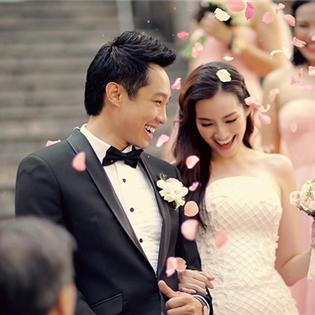 Trúc Diễm khoe váy cưới đính pha lê quý