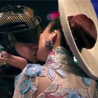 Ngô Kiến Huy  phải  hôn Thanh Hằng  hơn chục lần