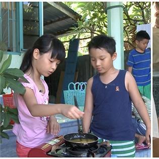 Con gái Phan Anh và Minh Khang tranh cãi nảy lửa