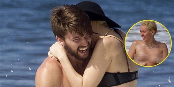 """Miley Cyrus """"trần trụi với thiên nhiên"""" bên cạnh bạn trai"""