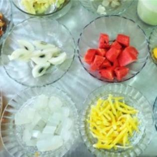 Thưởng thức chè trái cây Nha Trang '10 trong 1'