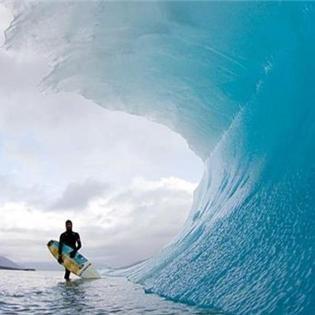 Lạ lùng hiện tượng sóng biển đóng băng ở Mỹ