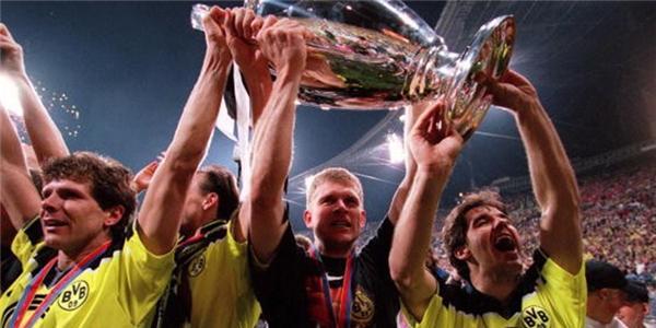 12 khoảnh khắc không thể quên ở kỷ nguyên Champions League