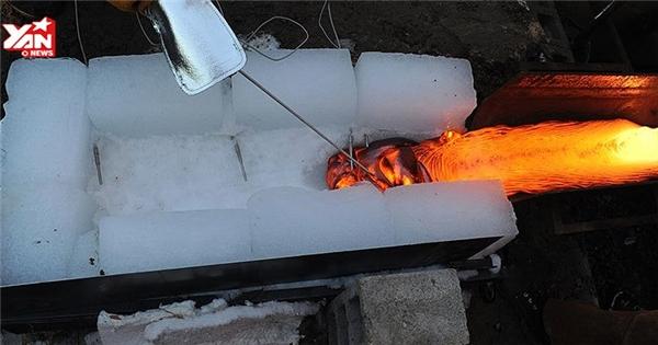Chuyện gì sẽ xảy ra nếu ta đổ dung nham lên băng?