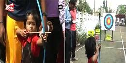 Em bé 3 tuổi bắn cung cực điêu luyện
