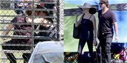 Brad Pitt và Angelina Jolie khóa môi nồng nàn  đập tan  tin đồn ly hôn