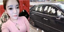 Cô gái trẻ dán đầy... băng vệ sinh lên xe người tình vì ghen