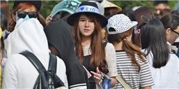 """Hàng dài fan """"đội nắng"""" chờ dàn sao Hàn"""
