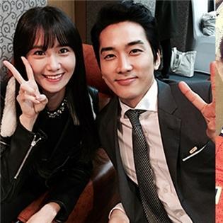Song Seung Hun khoe hình thân thiết bên Yoona, Luna và Amber  song kiếm hợp bích